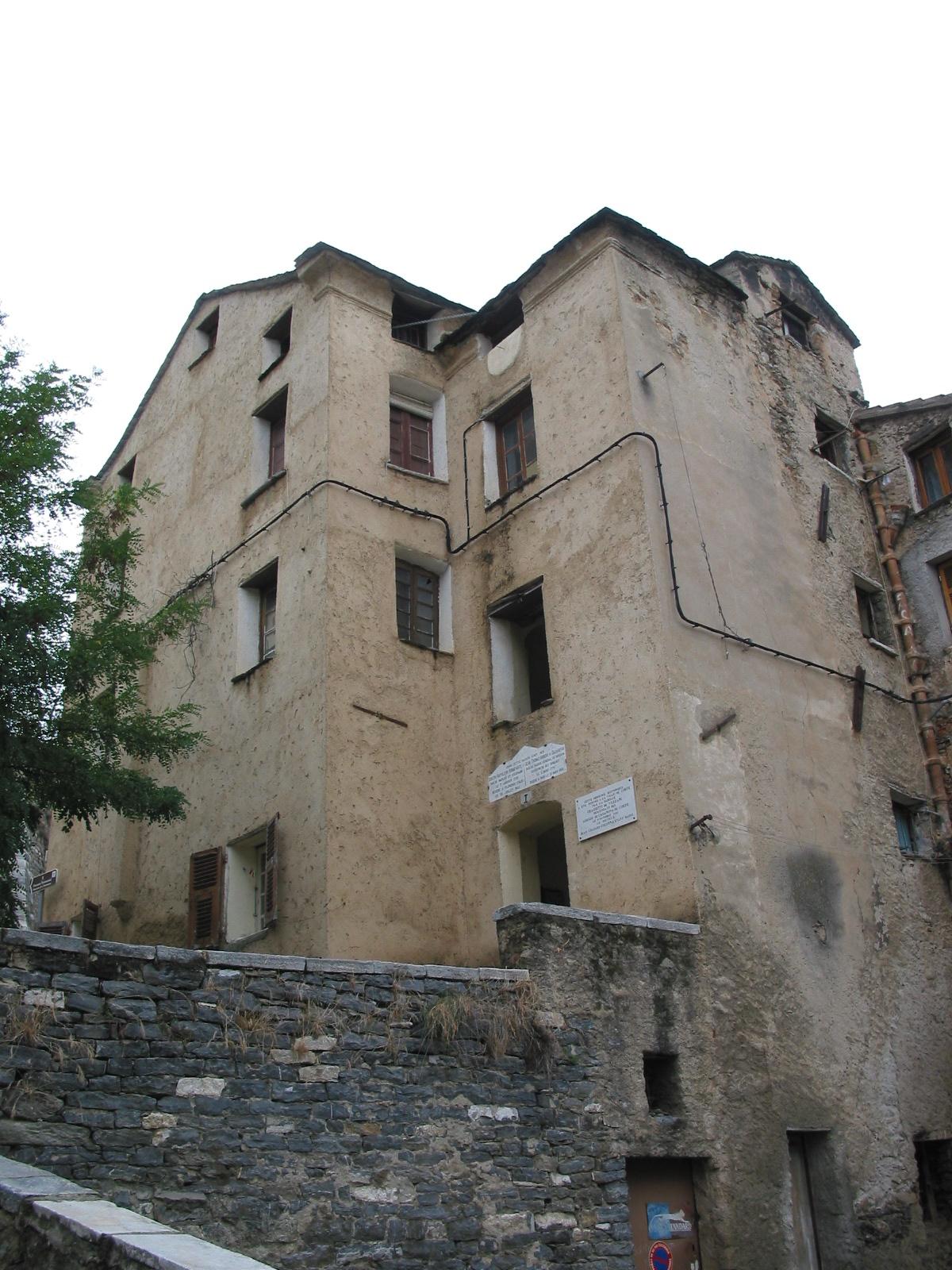 Corte_maison_n°1_Place_du_Poilu